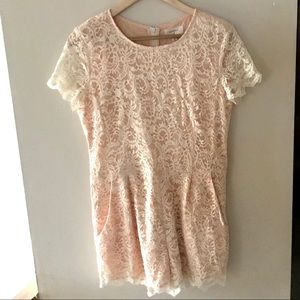 Everly Tops - Everly peach-coloured lace romper - Size Large